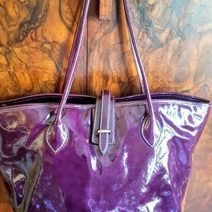 EUC Dooney & Bourke grape Cindy tote